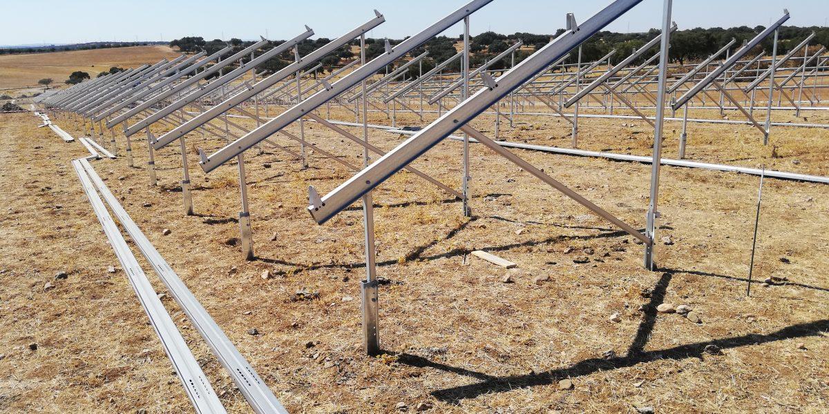 Start zu einem der größten Solarprojekte Portugals.